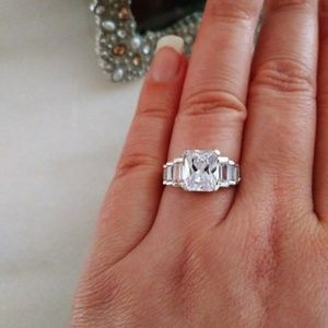 Sale🎉 Sterling silver ring